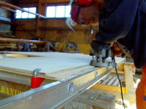 Überlappung der Decksplatten fräsen